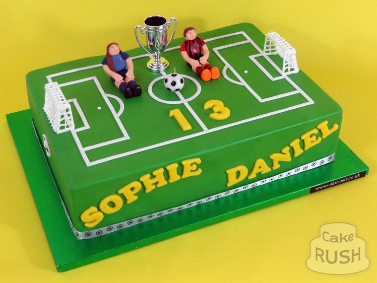 Football Pitch Cake Design