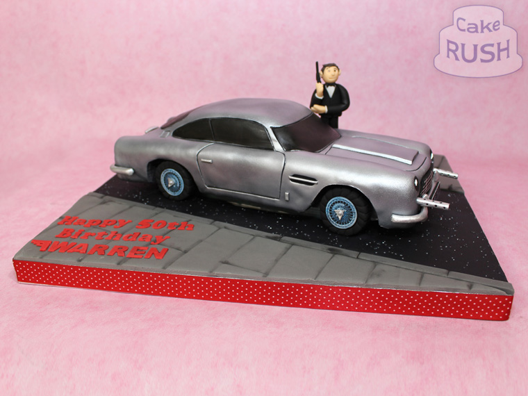 James Bond Aston Martin DB5 cake 5